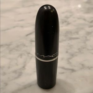 MAC matte lipstick in Ladybug red NWT